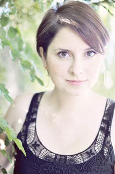 monica B headshot, a cleveland wedding photographer