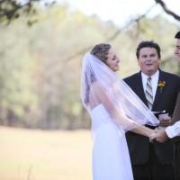 cleveland wedding photographer shoots outdoor ceremony